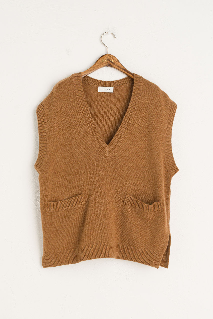 Two Pocket Simple Vest, Brown