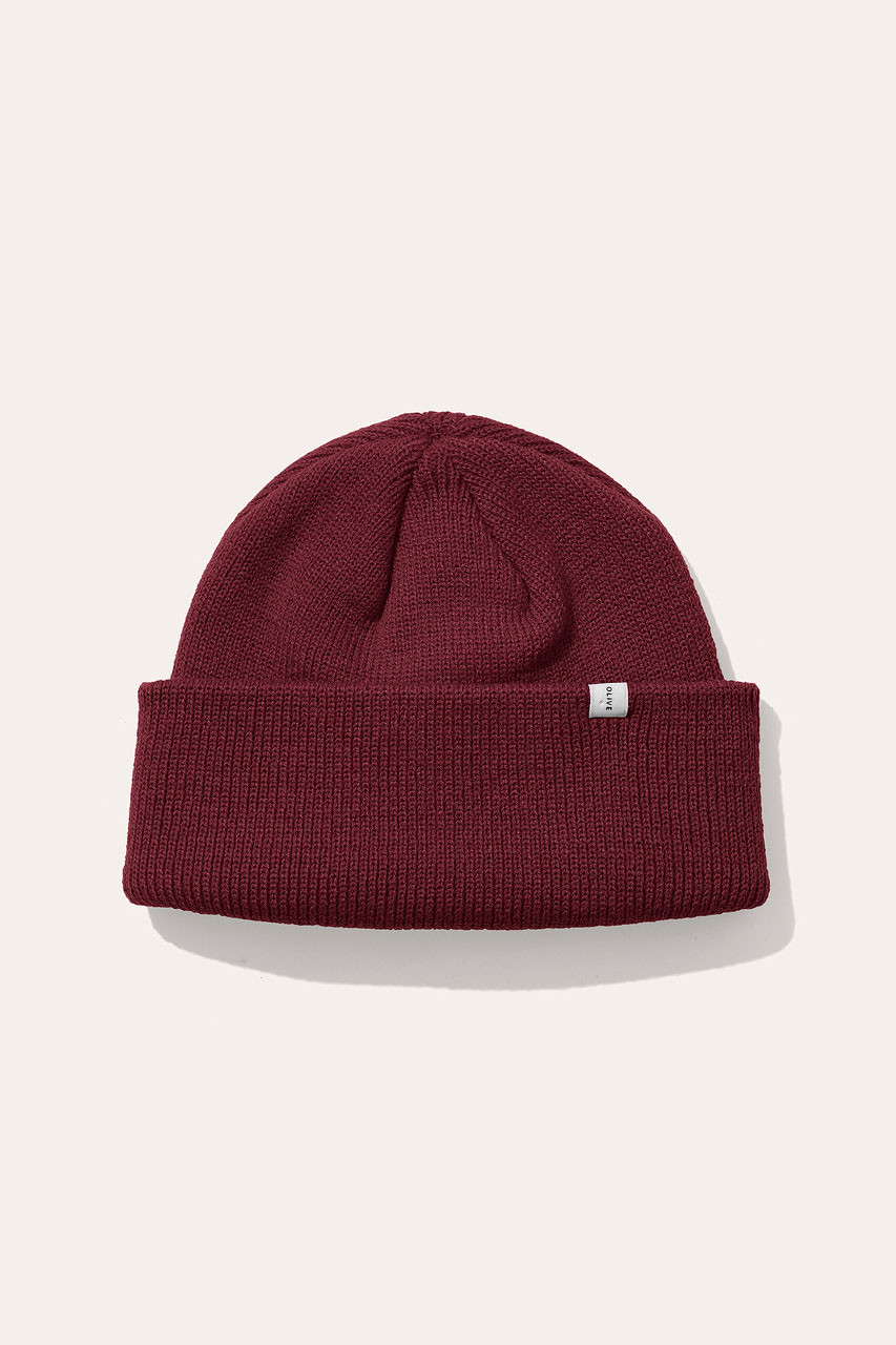 19  Simple Beanie, Cherry