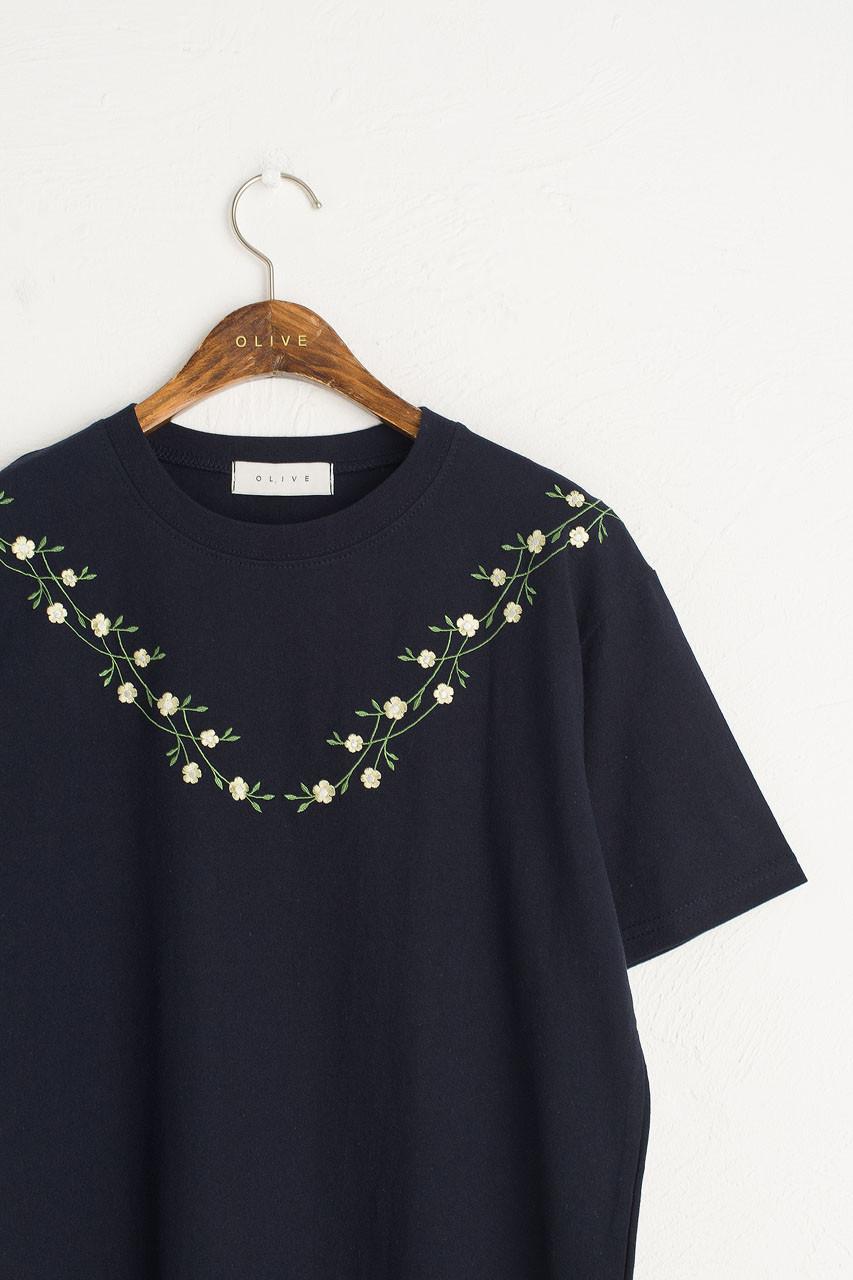 Freesia Vine Embroidery Tee, Navy