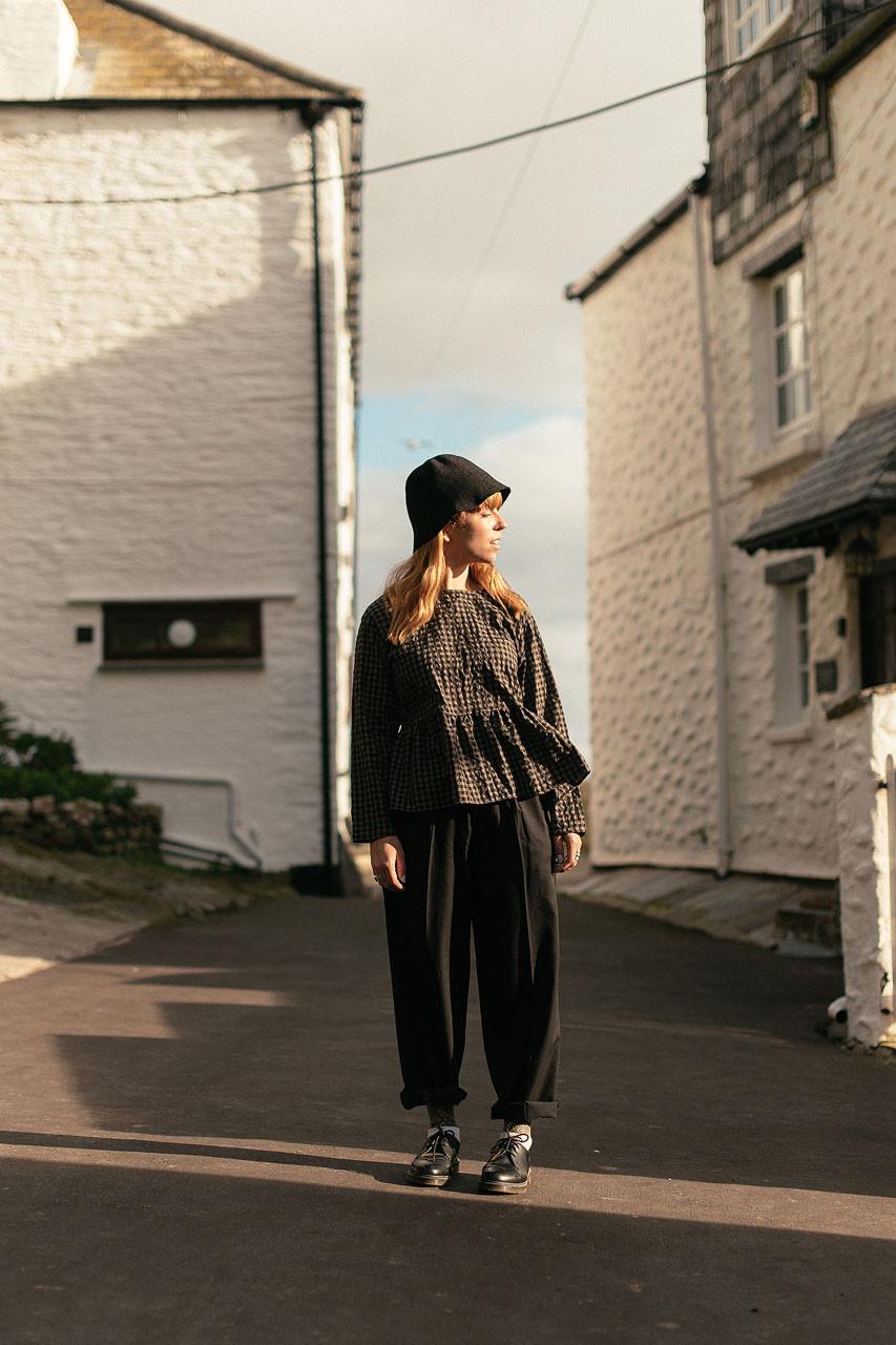 Holywell Simple Slacks, Black
