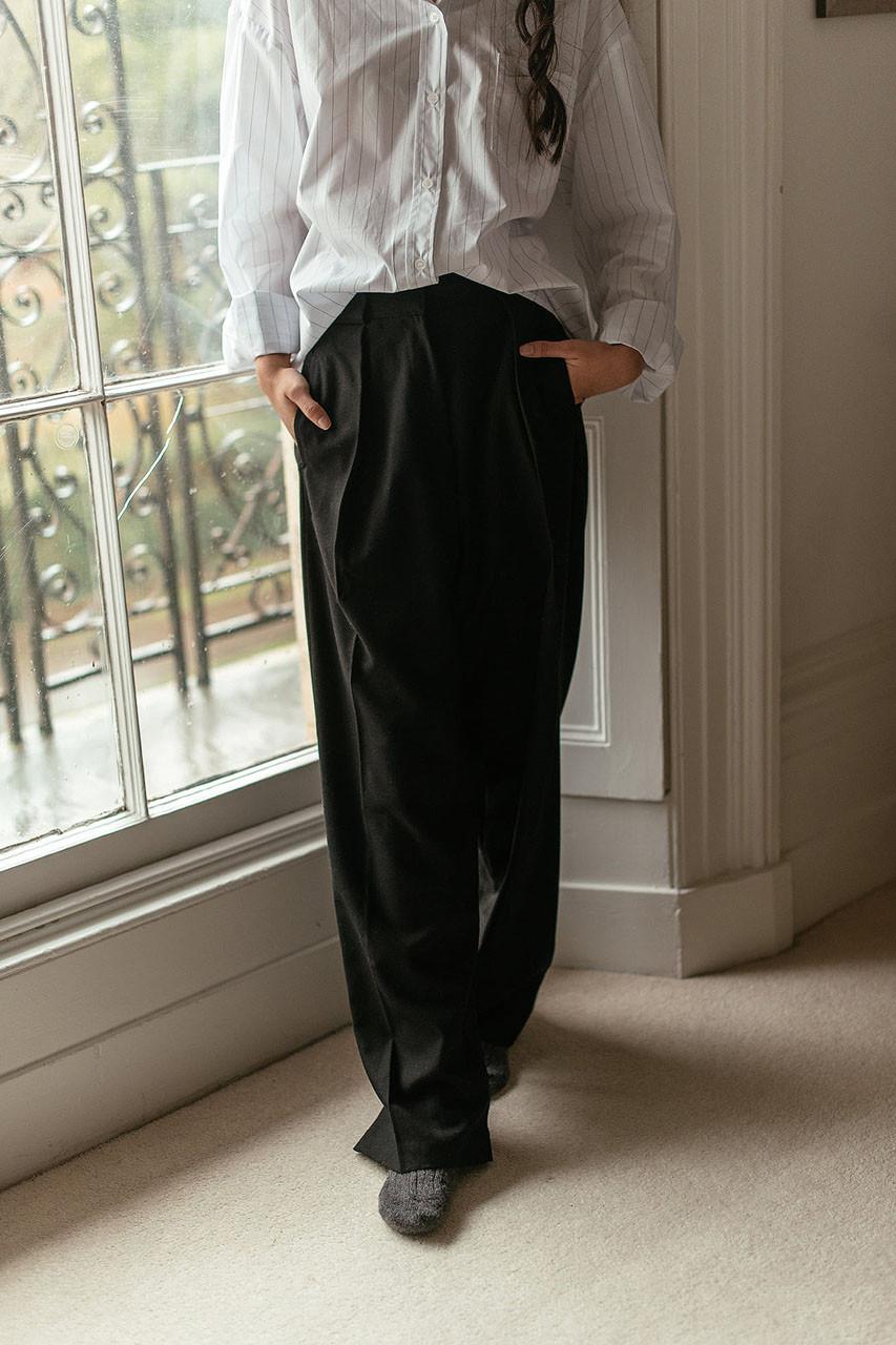 Iva Pintuck Trousers, Black