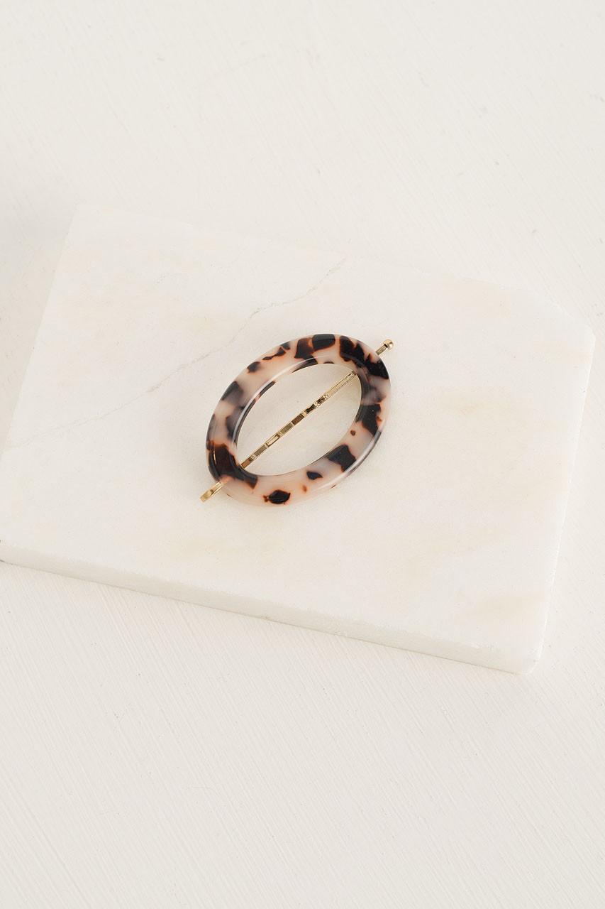 Naomi Oval Pin, Beige Tortoise Shell