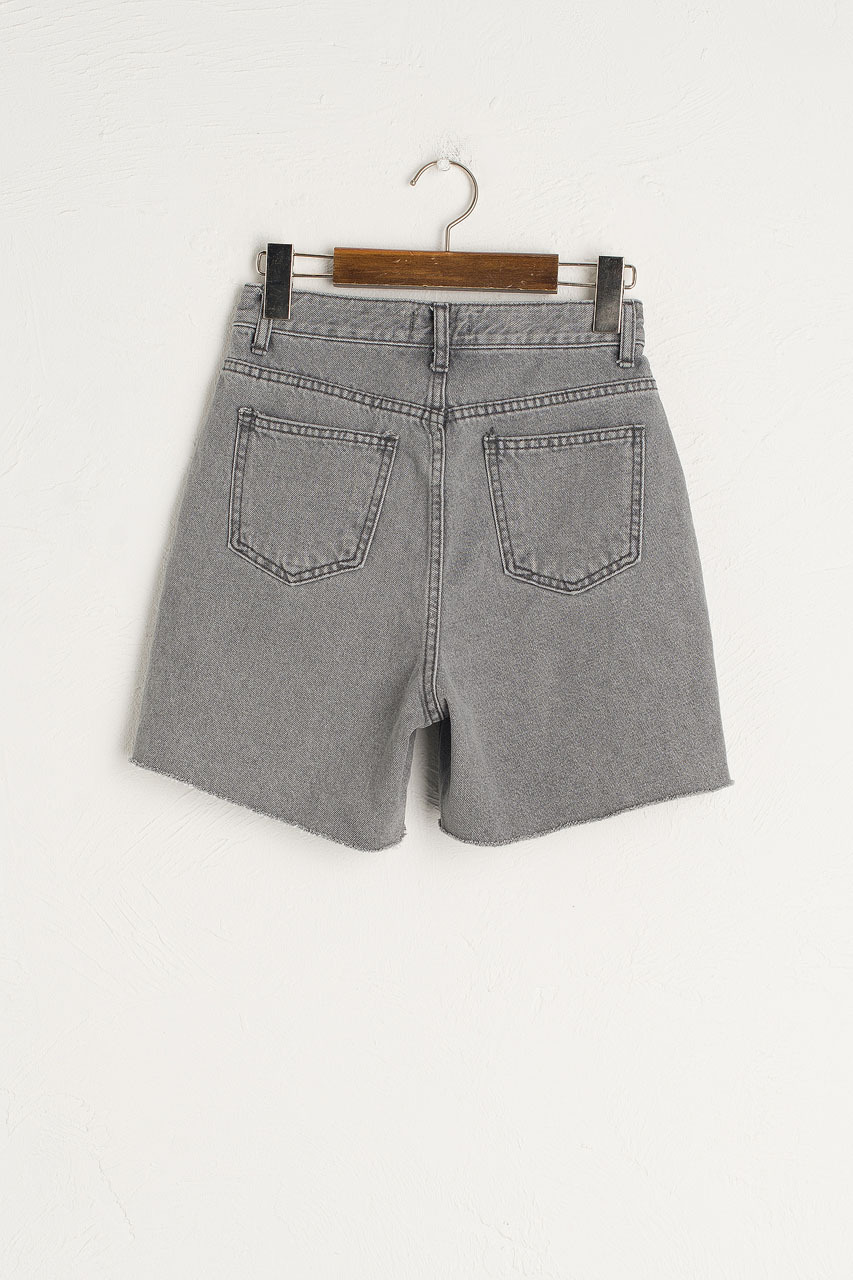 Frayed Mom Short, Grey