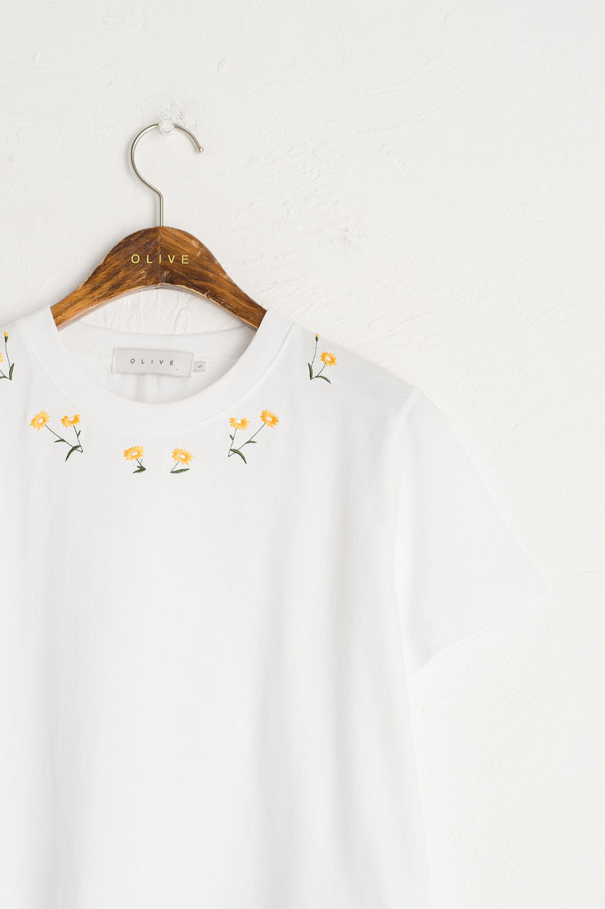 Wild Daisy Embroidered Crop Tee, Ivory