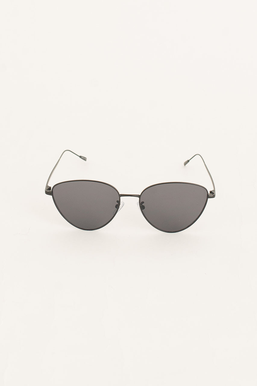 Lina Cat Sunglasses, Black