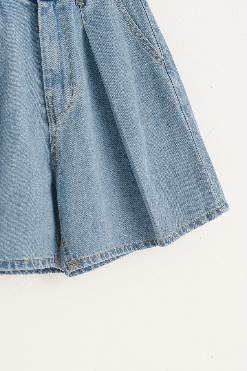 Box Pleat Denim Shorts, Light Blue