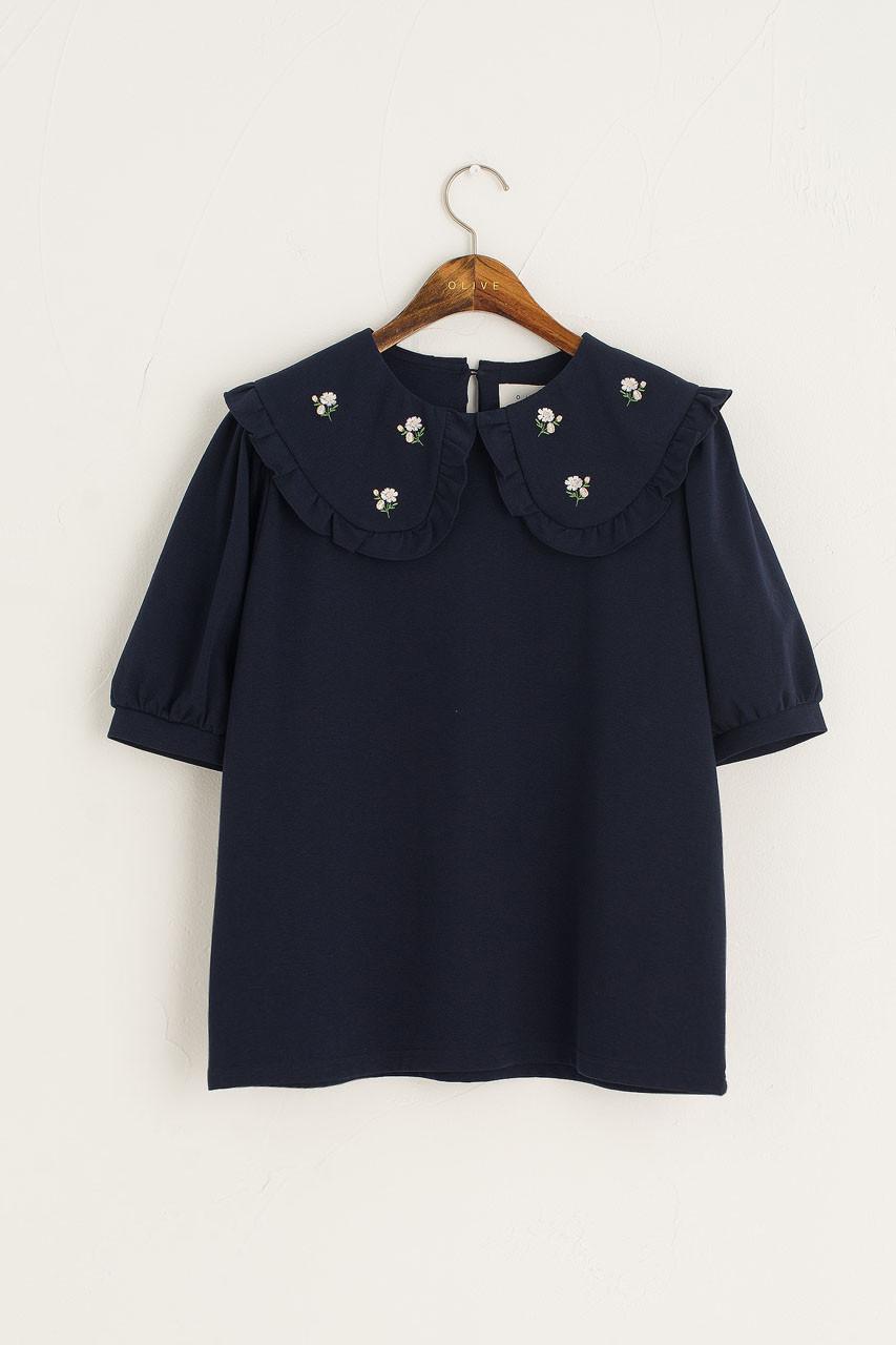 Wild Daisy Embroidered Short Sleeve Tee, Navy