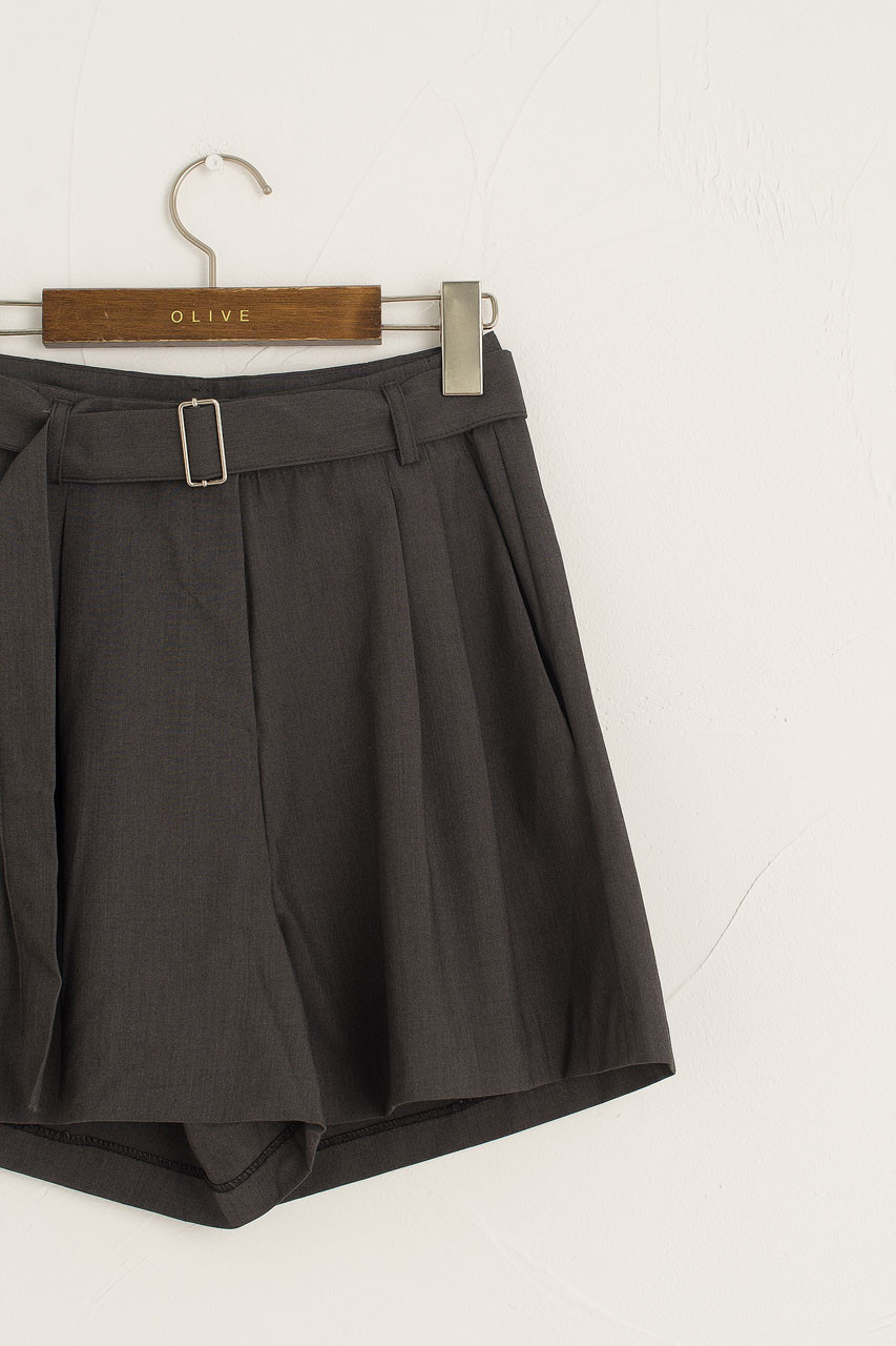 Jay Belted Pleated Short, Charcoal