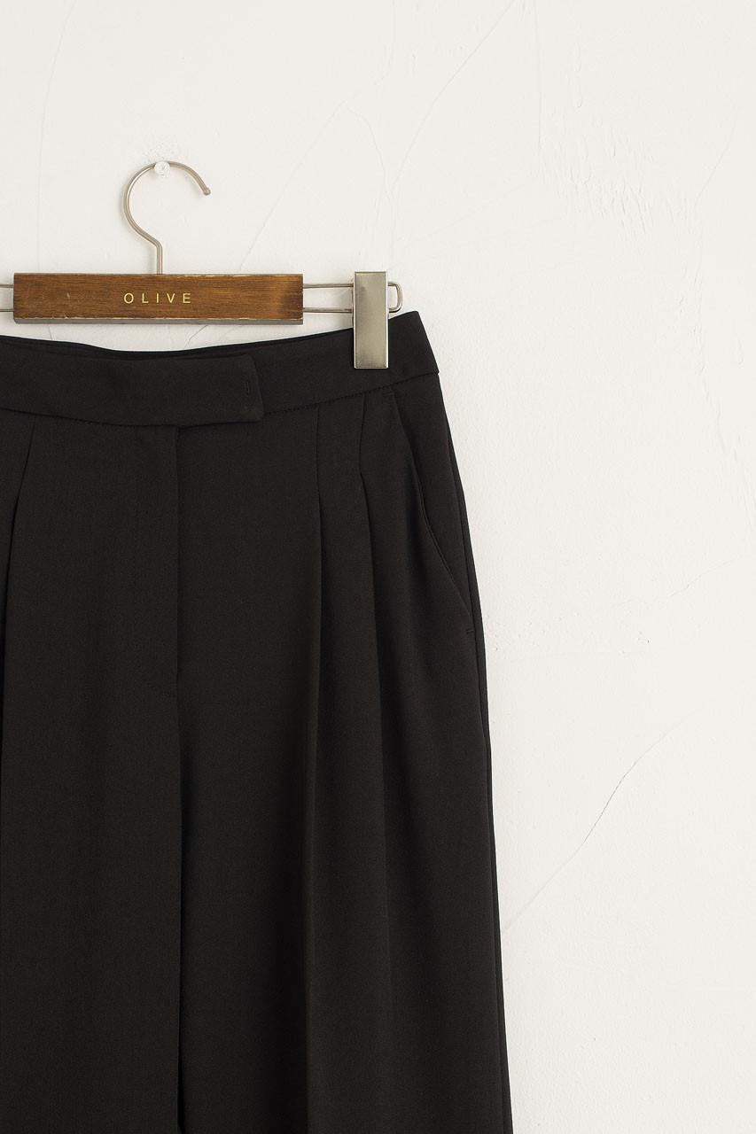 Emiko Pintuck Trousers, Black
