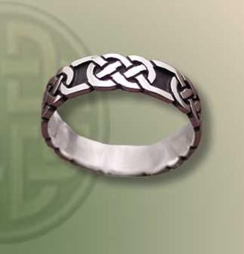 Border Pattern Ring