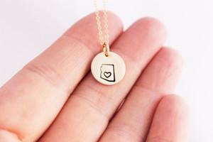 "Arizona heart - 1/2"" design necklace • gold or silver"