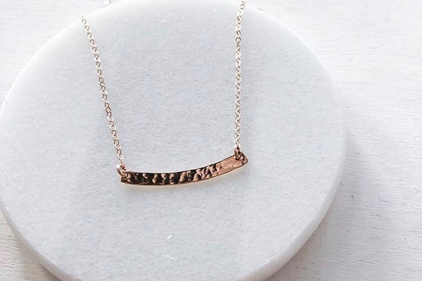 curved skinny bar necklace