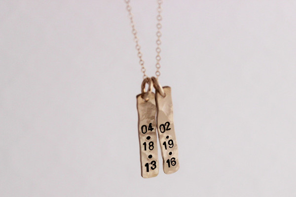 organic date rectangles necklace