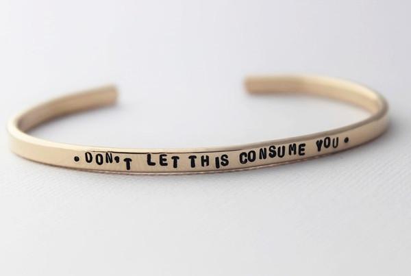 cuff bracelet - classic • gold