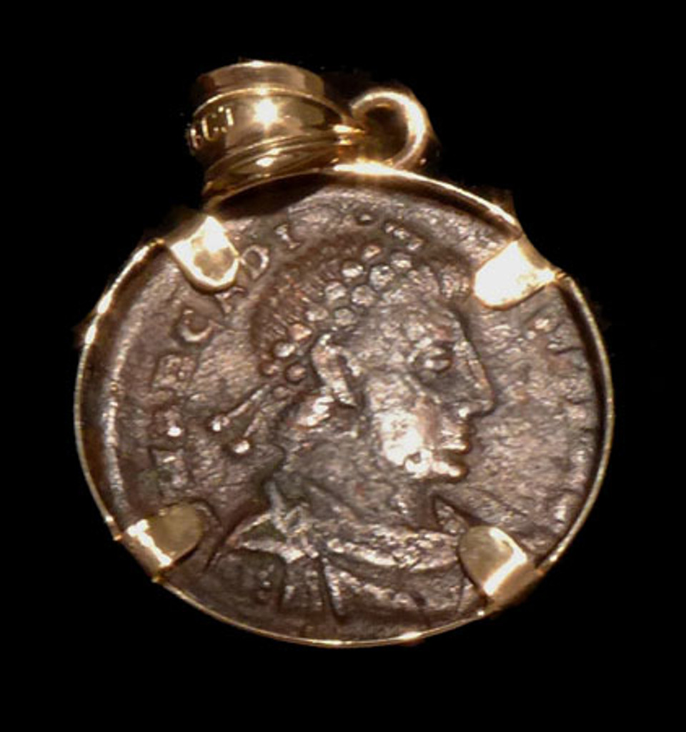 CPR213 - ANCIENT CHRISTIAN ROMAN ANGEL CROWNING SOLDIER COIN IN 14KY PENDANT SETTING