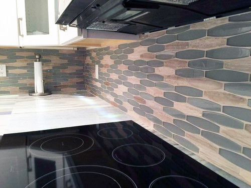 radiant grigio mosaic glass tile backsplash