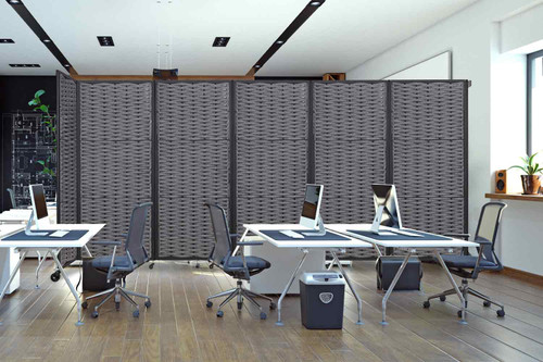 5 Panel VersiWeave in an office separating workspaces.