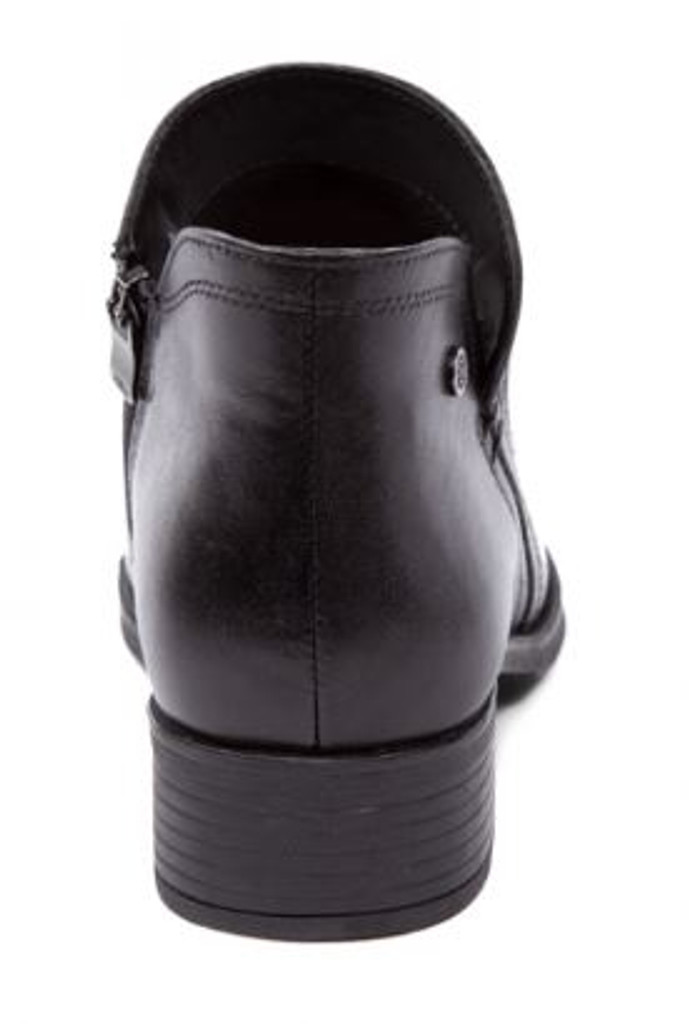 SHORT LEATHER BOOT