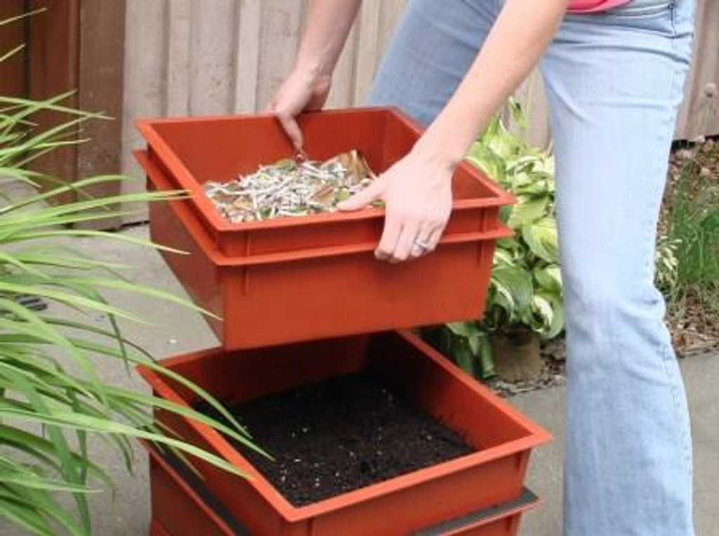 Worm Factory 360 Compost Access