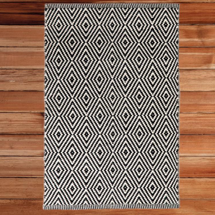 Handwoven Black and White Diamond Wool Flatweave Kilim Rug, 2' x 3'
