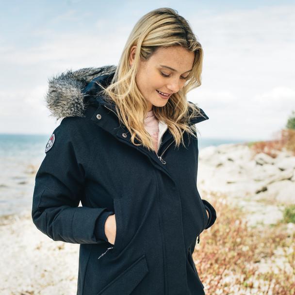 99411 Bridgewater Roots73 Women's Insulated Jacket - Model 1 | Imprintables.ca