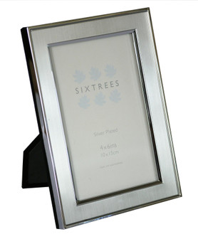 Sixtrees Abbey Pewter 2-102-46 Polished Silver photo frame with lacquered brushed pewter metal insert for a 6 x 4 inch photo.