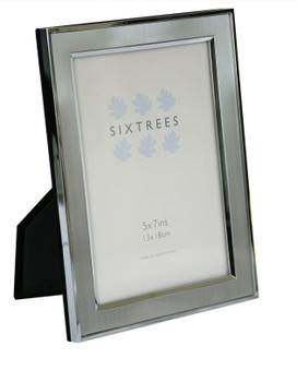 Sixtrees Abbey Pewter 2-102-57 Polished Silver photo frame with lacquered brushed pewter metal insert for a 7 x 5 inch photo.