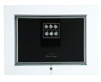 Sixtrees ST124H Flat Bevelled Glass 6 x 4-inch Photo Frame with silver detailing.