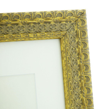 """Handmade Ornate Distressed Antique Gold Shabby Chic Vintage Picture Frame with a single mount for an 8"""" x 6"""" (203mm x 152mm) Photo."""