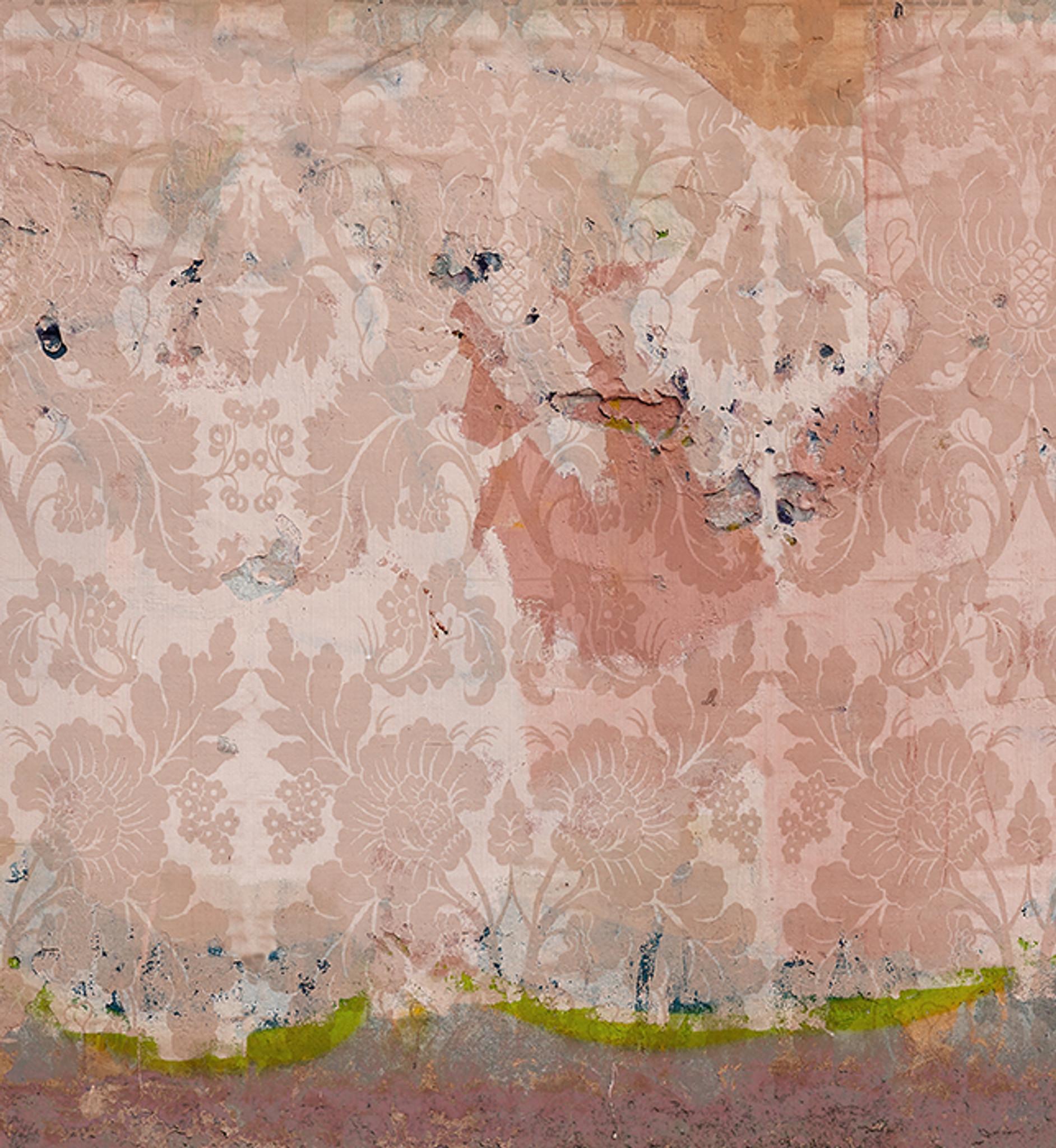 Wallpaper - Faded Empire - Damaged Rose