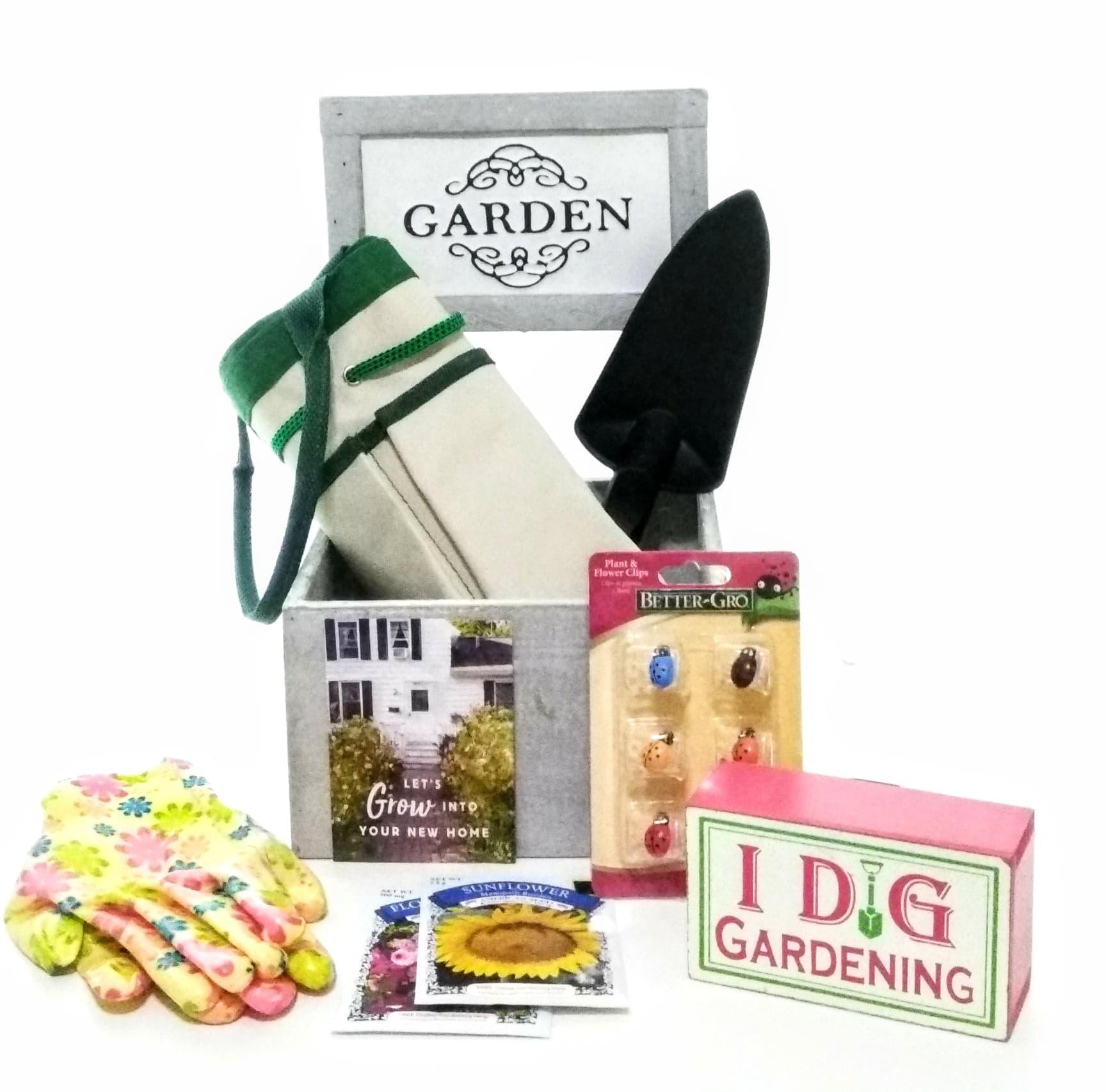 gardenthemedgiftboxclosinggiftflatlay.jpg