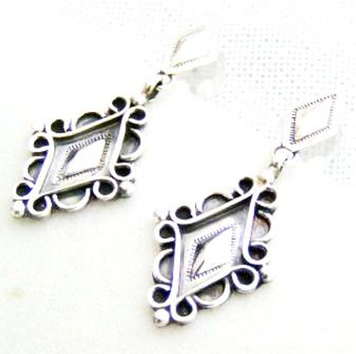 Sterling Silver Post Earrings Native American Indian Navajo Handcrafted (NAER-09053)