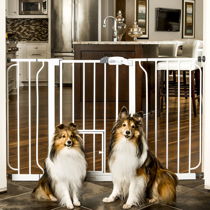 Extra Wide Pet Gate With Lift Handle