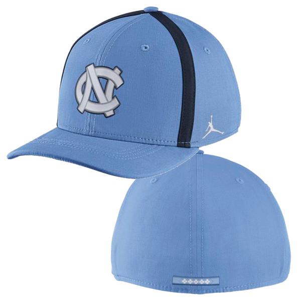 Nike Classic Carolina Aero Bill SwooshFLEX Hat - Carolina Blue