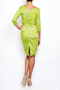 Fitted V Neck Dress in Tate Limegreen