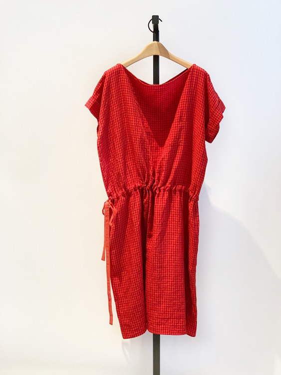 ab red linen gingham tie dress