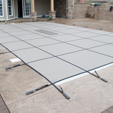 16' x 32' Rectangle with Right 1' Offset, 8' x 4' Step Safety Cover: Gold High Density Mesh