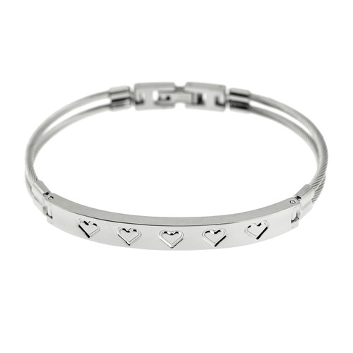 Etched-Heart-Bracelet-fold-over-clasp