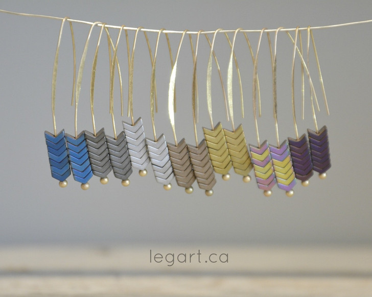 Choose from 7 striking colours