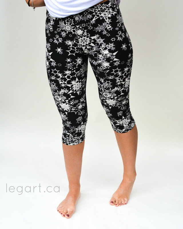 Ice Crystals Capri Leggings