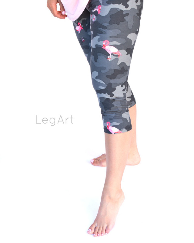 Camo Flamo Capri Leggings