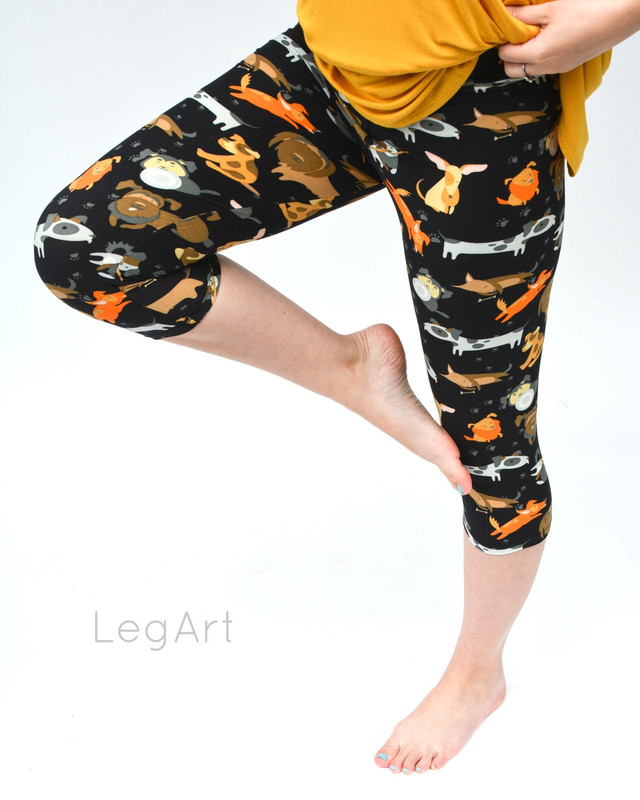 Dogs Show Capri Leggings