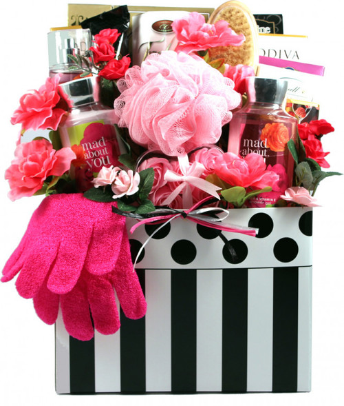 Mad About You, Deluxe Spa and Chocolate Gift Basket
