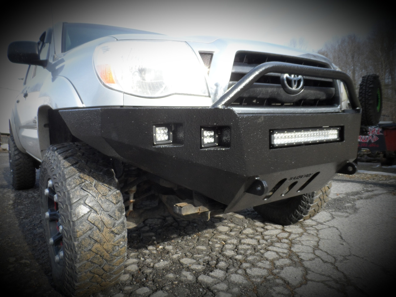 Toyota Tacoma Front Bumper (05-11)
