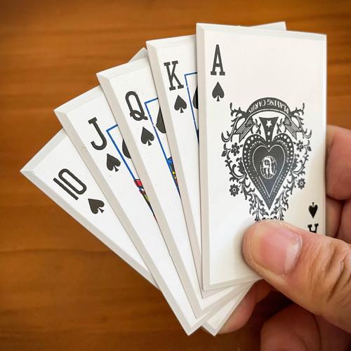 Blackjack Throwing Cards