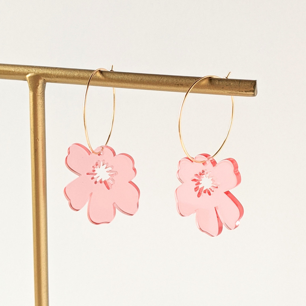 Flower Hoops / Translucent Light Pink