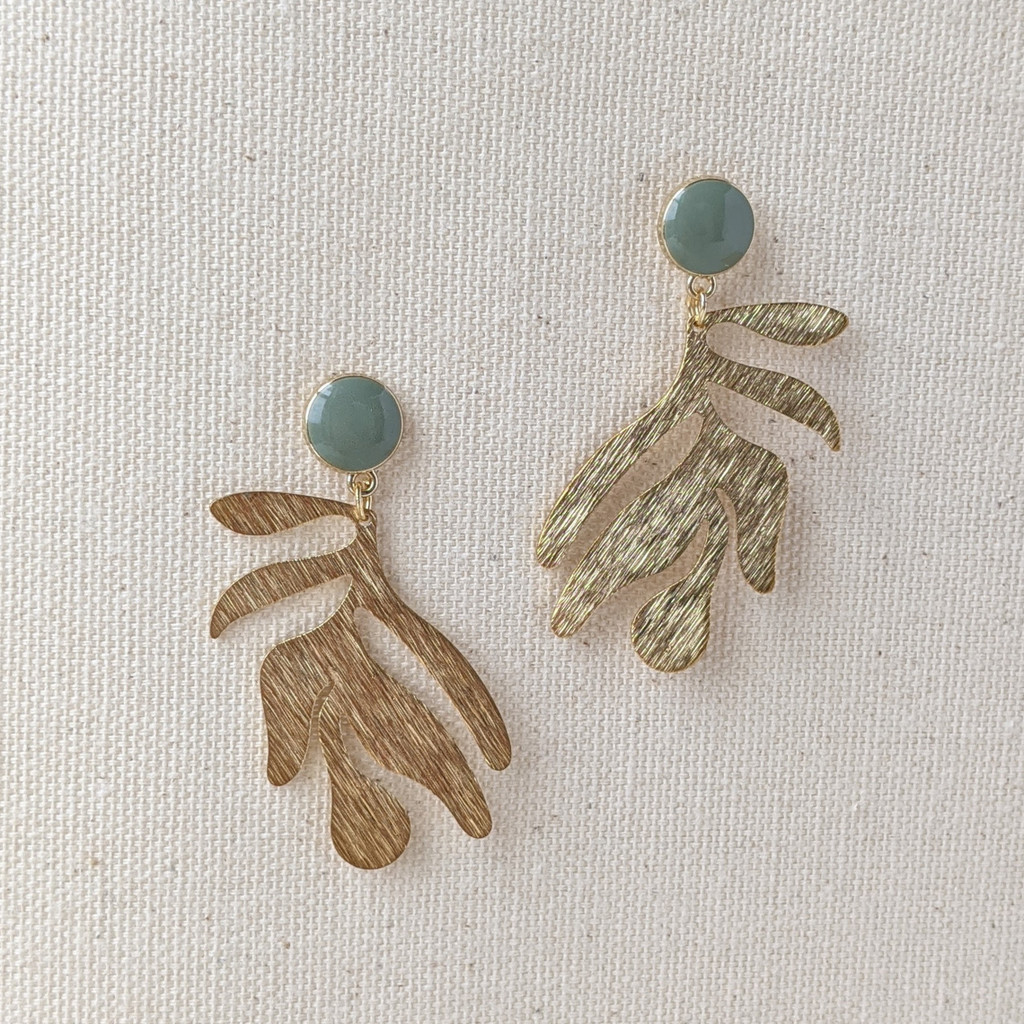 Organic Shape Textured Leaf Earrings / green