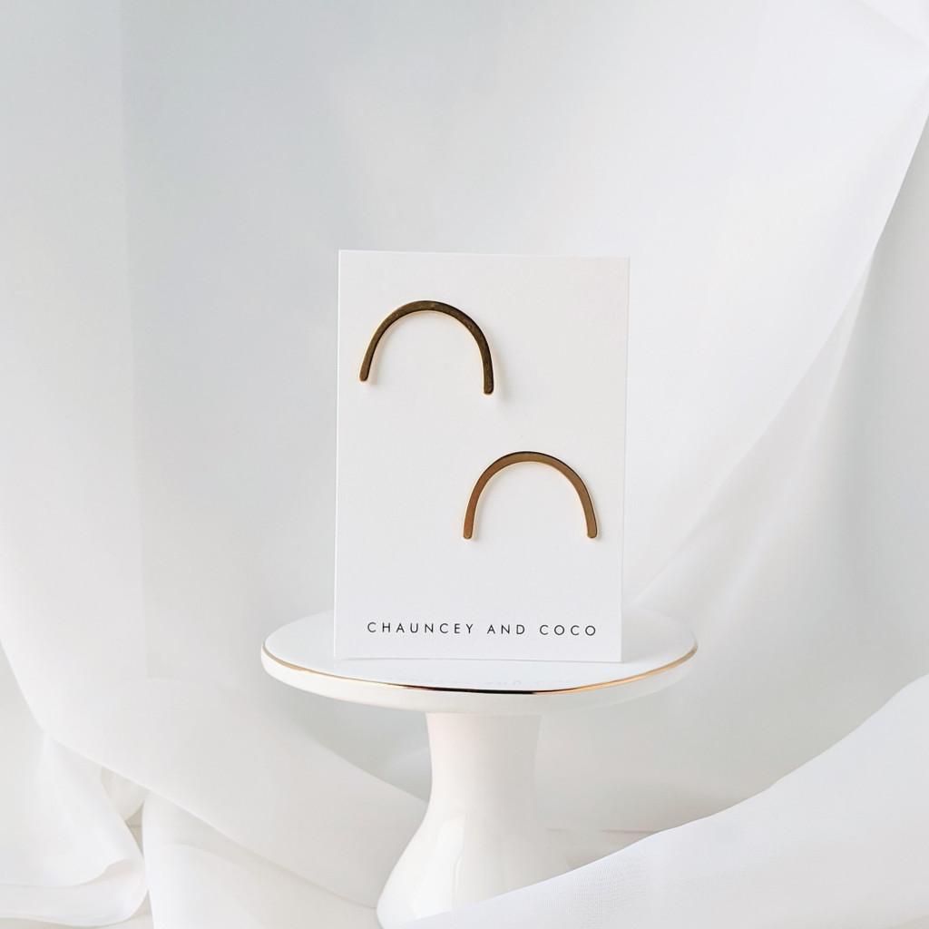 Horizon wide arch earrings