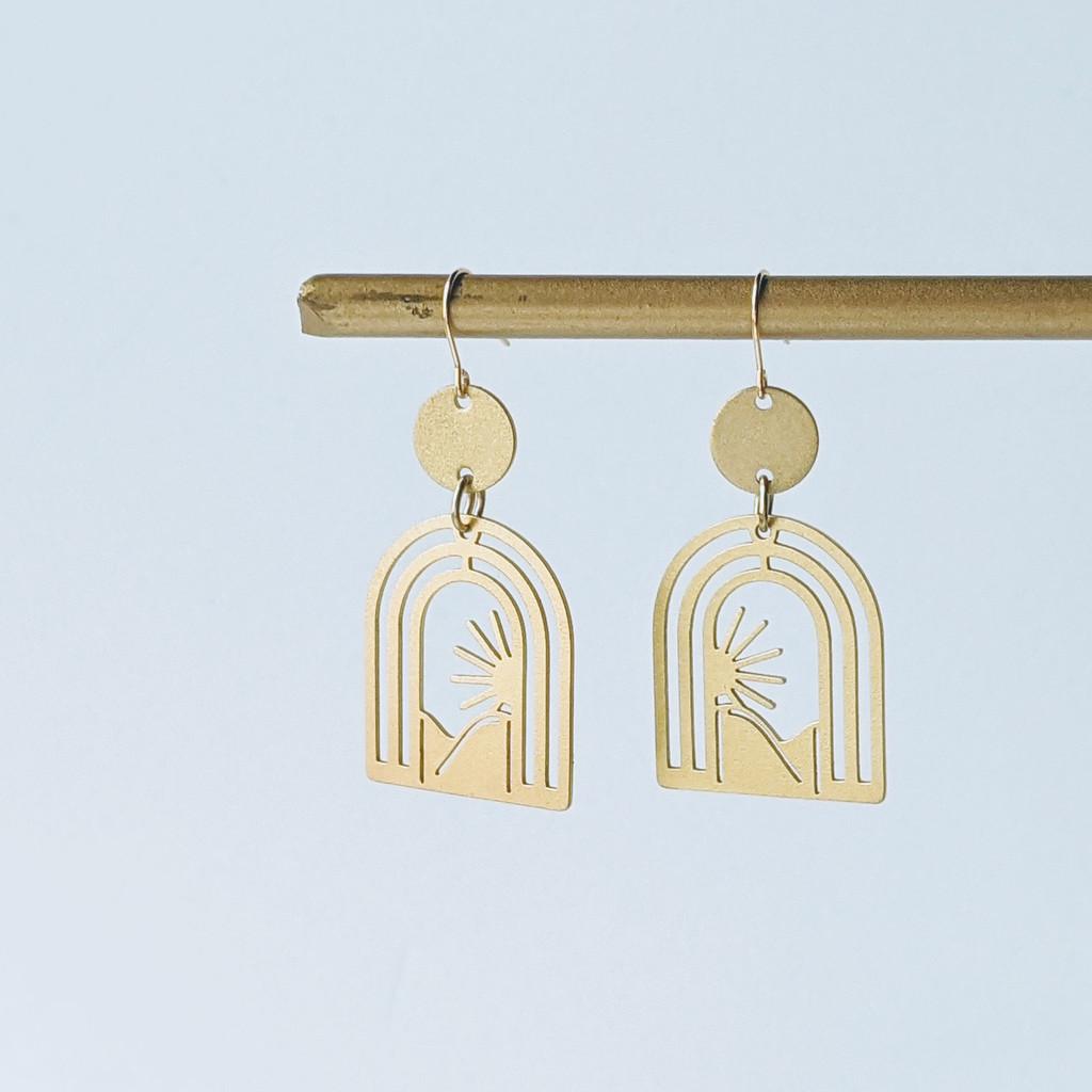 Dune brass arch earrings