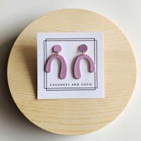 Mini Arch Earrings / Lovely in Lavender